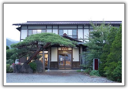 【2014‧東京箱根河口湖】(17)。Day 6。河口湖畔的民宿,湖舞家。我們終於看到富士山了!