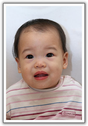 【2011‧泰國親子遊】(03)‧護照相片DIY